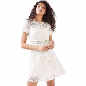 Topshop Cream Lace Fluted Sleeve Dress Size 2